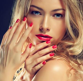 Ногти девушка лицо